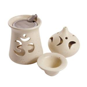 Om Räucherstövchen aus Ton mit Schale und Sieb