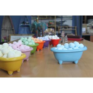 Kleine Keramikbadewanne - babyblau mit süßen...